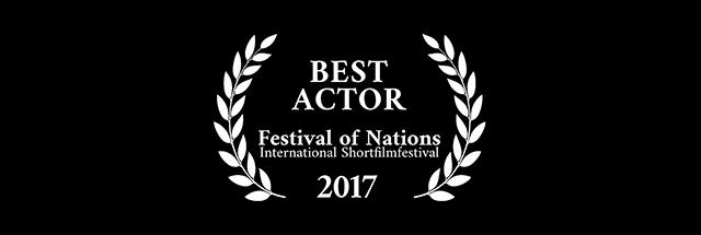 هادی افتخارزاده جایزه بهترین بازیگر مرد جشنواره فیلم ملل اتریش را دریافت کرد